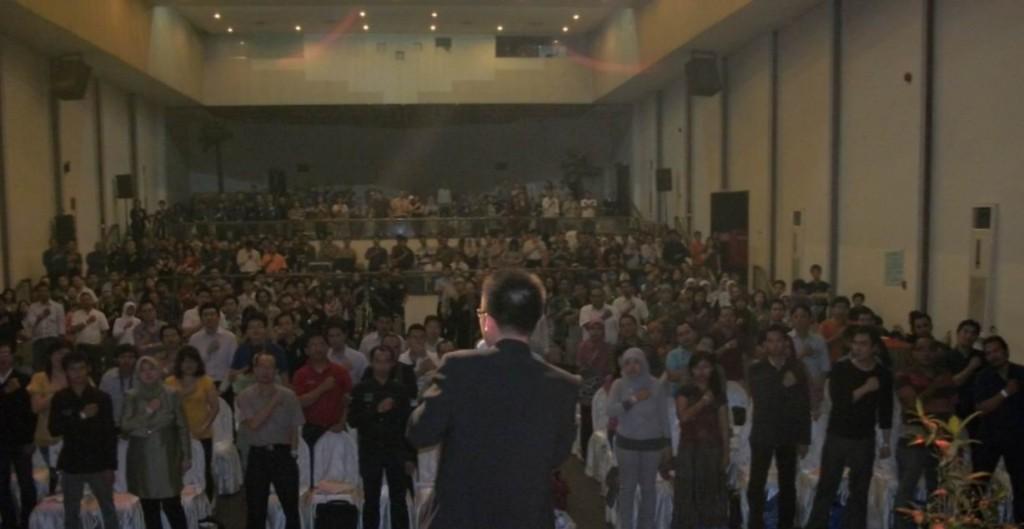 Pembicara Seminar | Pembicara Terbaik  Christian Adrianto – Motivator Indonesia – Trainer Indonesia